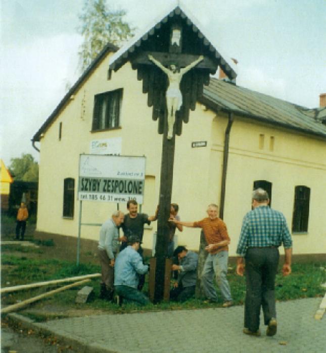 Krzyż na zakolu