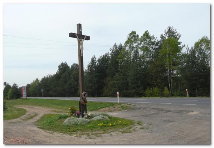krzyż przy szosie do Tarn-Gór